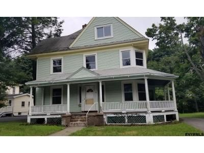 4 Bed 2 Bath Foreclosure Property in Chatham, NY 12037 - Kinderhook St