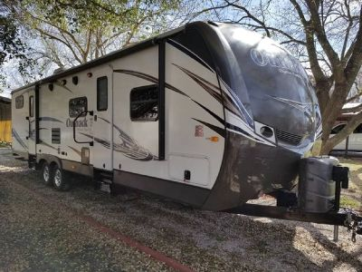 By Owner! 2014 Keystone Outback ultra lite 312BH 35.5 ft w/2 slides