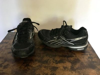 Reebok Black/Silver Easy Tone Smooth Fit, Size 6