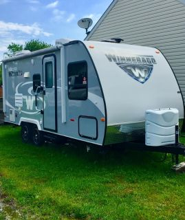2017 Winnebago Micro Minnie 2106FBS
