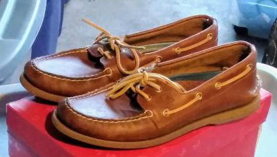 Sperry's (leather)