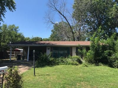 1 Bath Preforeclosure Property in Arnold, MO 63010 - June Dr