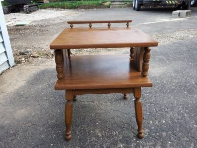 VINTAGE SQUARE 2 TIER END TABLE