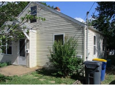 2 Bed 1 Bath Foreclosure Property in Saint Clair, MO 63077 - E North St