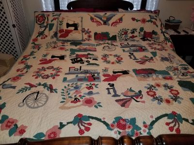 Queen size quilt with matching pillow