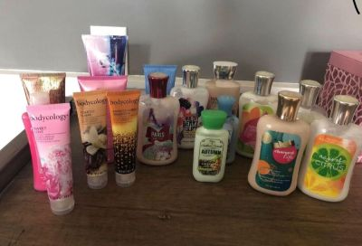 Lotions most are full , most bed bath body works