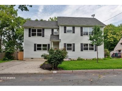 3 Bed 2.5 Bath Foreclosure Property in Matawan, NJ 07747 - Cross Ave