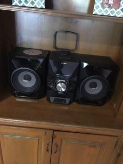 Stereo with CD player