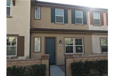 Beautiful 2 story 3 bedroom 2.5 bath Town-home