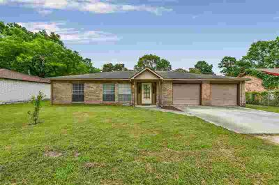 14722 Brown Road Tomball Three BR, Great single story home!