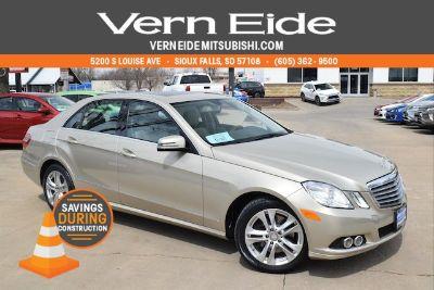 2010 Mercedes-Benz E-Class E350 4MATIC Luxury (beige budget)