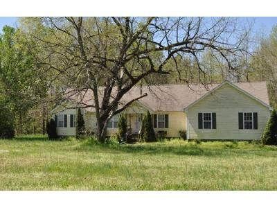 2 Bed 2 Bath Foreclosure Property in Graham, NC 27253 - 3 Clifford Ray Rd