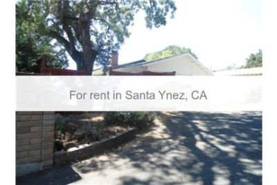 Nice single family home with upgrades. 2 Car Garage!