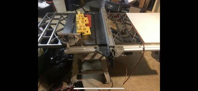 Ridgid contractor table saw with built in extension. 300 obo