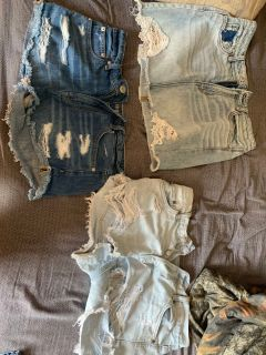Size 6 American eagle jeans pretty well brand new