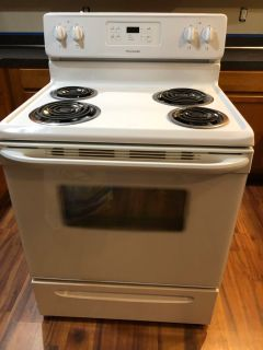 FRIGIDAIRE ELECTRIC STOVE $100 OBO