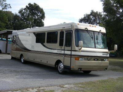 1998 Safari SERENGETI 37' W/ SLIDE USED RV FOR