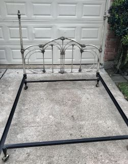 QUEEN SIZE BED FRAME WITH METAL HEADBOARD