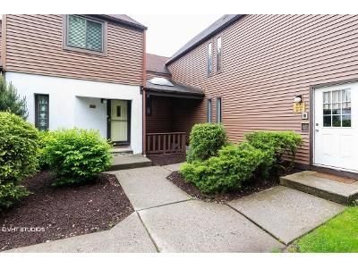 1 Bed 1 Bath Foreclosure Property in Newburgh, NY 12550 - N Water St # 67