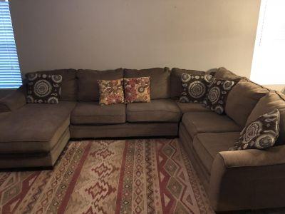 3-Piece Sectional (Ashley Furniture)