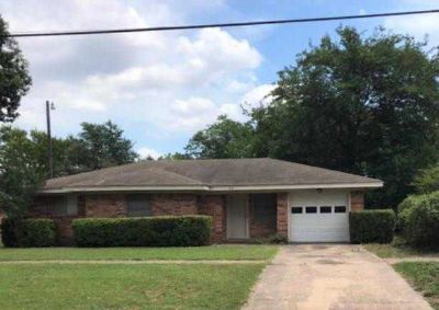 512 Lake Park Avenue WAXAHACHIE, 3 BR one and a