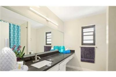 1 bedroom - ester Apartments is a collection of 4 buildings on West 86th in ester.