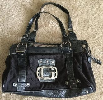 Guess purse (black / silver)