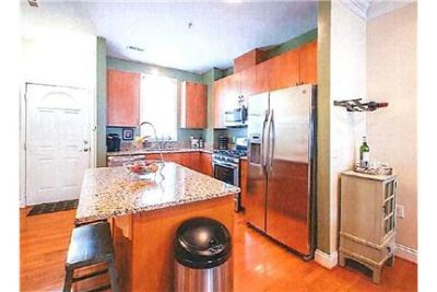 Beautiful 3 Bedroom 3.5 Bath Condo for Rent!