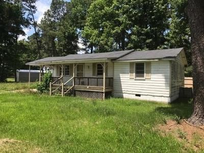 3 Bed 1 Bath Foreclosure Property in Clinton, NC 28328 - Jamestown Dr