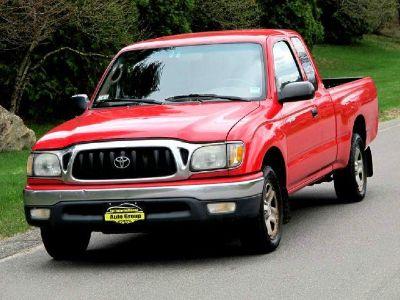 2003 Toyota Tacoma Base (Red)