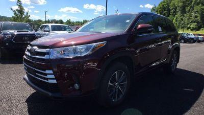 2018 Toyota Highlander XLE (Red)