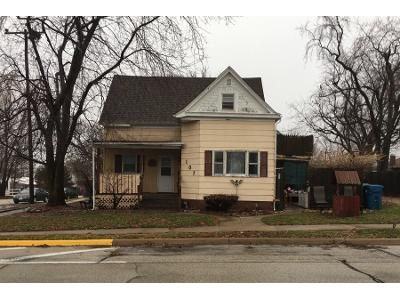 3 Bed 1 Bath Preforeclosure Property in Heyworth, IL 61745 - W Main St