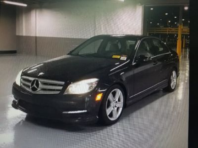 2011 Mercedes-Benz C-Class C300 4MATIC Luxury (Black)