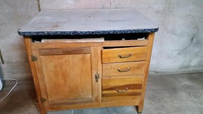 Vintage cabinet metal top...moving need gone now!