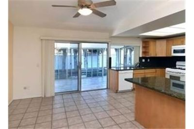 Lake Lindero single story with spacious floor plan. Washer/Dryer Hookups!