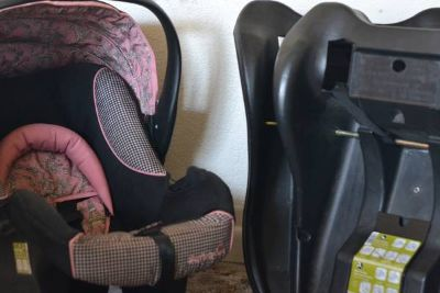 Infant Girls Car Seat with 2 car bases