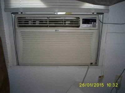 Air Conditioner LG window Unit 287 Zimmerman Ave. Bastrop,Tx