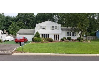 4 Bed 2.0 Bath Preforeclosure Property in Norwalk, CT 06851 - Rolling Ln