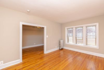 Huge Updated 1 bedroom just 1 block from the Beach! Heat Included, Hardwood Floors, Pet Friendly!