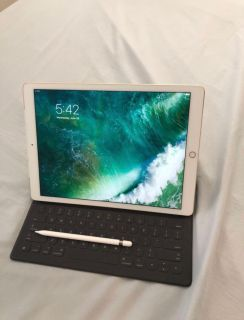 2nd Generation IPad Pro(Gold) with keyboard and Apple Pencil