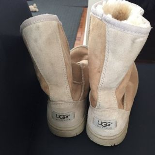 Womans Uggs size 6