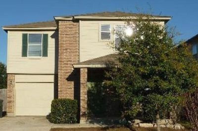 3/2.5 Home in New Braunfels. Available Saturday, July 28th. Move over the weekend!