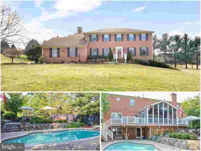 7909 W Brookridge Dr Middletown Five BR, Welcome Home!