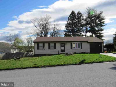 19 Apple Ln Biglerville, Nestled in the heart of Apple
