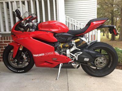 2016 Ducati SUPERBIKE 1299 PANIGALE