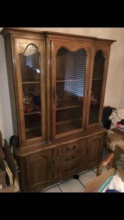 Dining case display set with glass windows