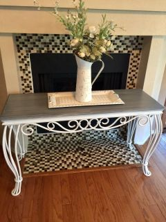 GORGEOUS COUNTRY LOOKING SOFA TABLE/ ENTRYWAY TABLE...solid wood top custom finished in a weathered look...
