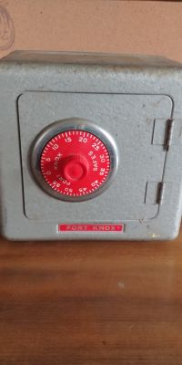 Vintage toy metal fort knox safe bank 5.00