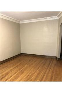 This rental is a Chicago apartment located S.