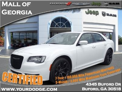 2019 Chrysler 300 S (Bright White Clearcoat)